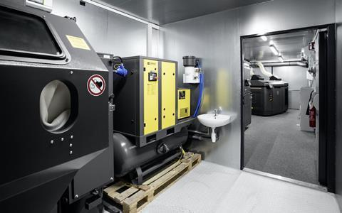 Daimler mobile 3D parts printing centre inside